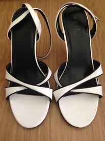 NEW KIT lady's open toe strappy heels size 7