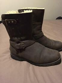 Genuine Grandle Leather Ugg Boots Size 6.5