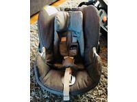 Cybex Aton Q Plus Car Seat & Isofix Base