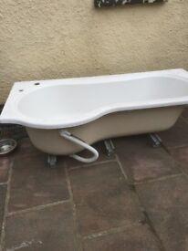 P shaped bath