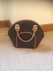 LV handbag £100