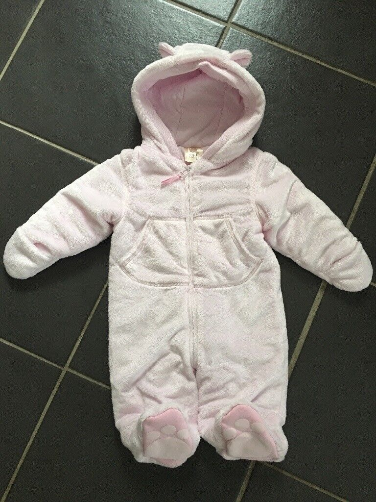 75c28982afb7 Baby girl snow suit (New) 3-6 months