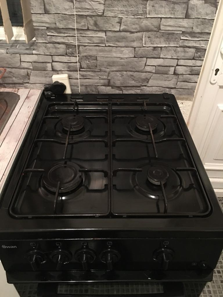 Swan black gas cooker 100ono