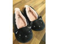 Adorable Cat Boux Avenue Slippers Medium