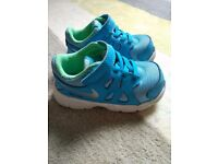 Nike trainers for infant boys size UK 5,5 EUR 22
