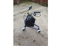 Rollator walking aid
