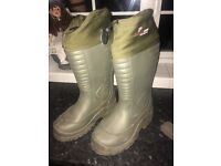 Fishing wellies with thermal socks
