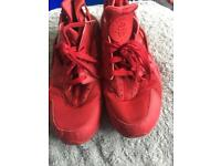 Red men's trainers Nike
