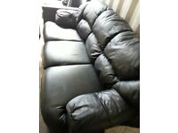 WYVERN REAL LEATHER 3 SEATER SOFA INCLUDES FREE DELIVERY.