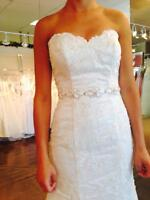 Gorgeous fitted wedding dress