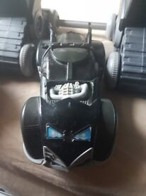 Batman robot, vehicle and 2 figures