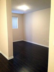 Luxury 1+Den - 1241 Sq.Ft!  In-suite laundry, 9 ft. ceilings Kitchener / Waterloo Kitchener Area image 13