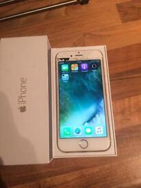 iPhone 6 16GB Gold cracked screen