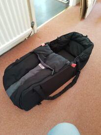 Phil & Teds travel sleeper/cot