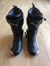 Puma Hypersport 1000 Boots. UK 8/Euro 42