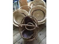 Job lot of assorted wicker baskets