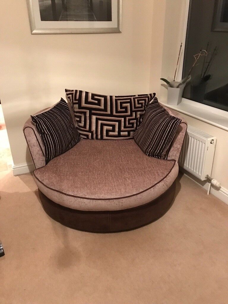 Large Swivel Round Cuddle Chair In New Waltham