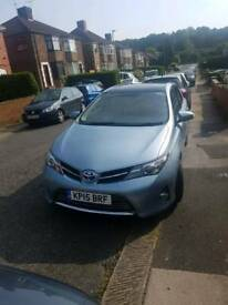 2015 Toyota Auris Excel VVT-I CVT Sat nav, pan roof, leather trims, rear camera parking