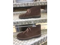 Clarks desert boots size 7