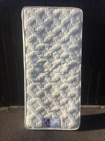 Single Mattress ( Can Deliver )