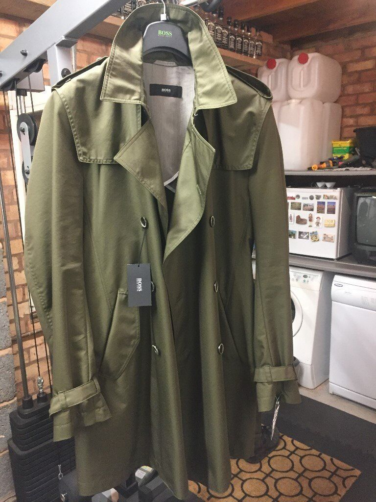 """*** NEW WITH TAGS *** Hugo Boss green water repellent 'Damon' detective type jacket size 44"""")"""