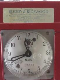 Racing pigeon clock