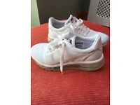 Ladies white Nike air max - size 4