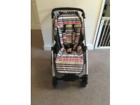 Mamas and Papas sola travel system