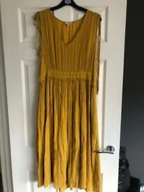 Ladies Size 14 Clothes