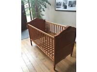Mama & Papa's 'Donatella' Cot bed