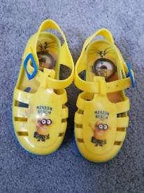 Kids Size 8 jelly shoes