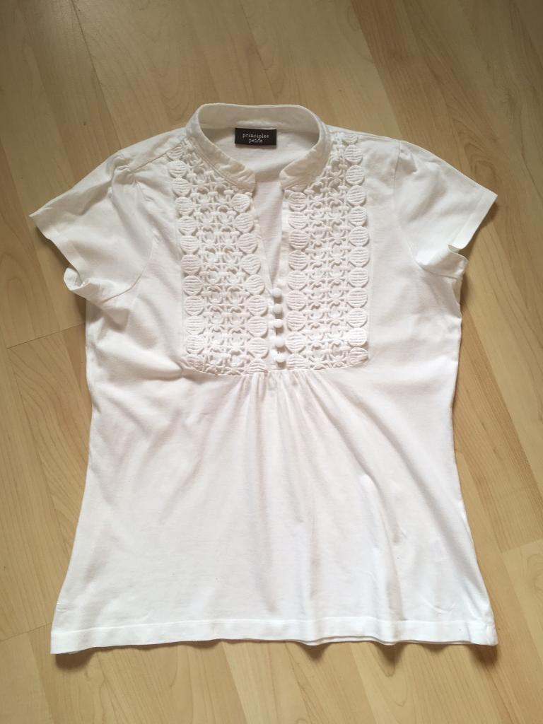 Principles petite topin Exeter, DevonGumtree - Very good condition White cotton top from principles petite Size 10Collection only please