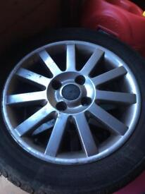 Volvo v40 2001 alloy wheels 205/50/16 tyres