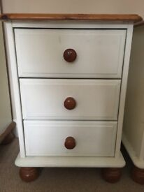2 Bedside Tables Cabinets Drawers Solid Pine Cream