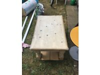 Reduced - Sturdy wooden coffee table