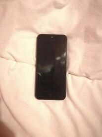 Iphone 5 16 GB Unlocked. Working Perfectly. Comes with FREE case.