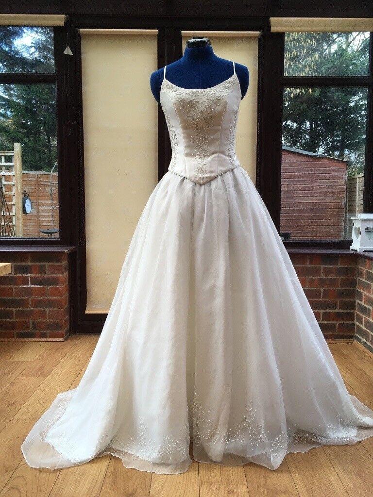 ivory wedding dress size 8, 2 piece gown, british, Sarah Rhodes ...