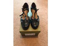 Hotter comfort concept women's size 5 shoes.