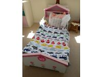 Kidkraft childrens toddler bed pink and white DOLLS HOUSE with MATTRESS