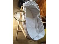 Moses Basket with stand/mattress/blanket