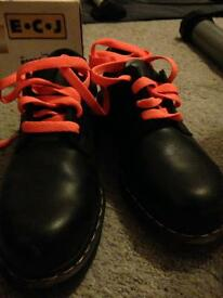 Doctor Martins! Size 7 Safety Shoes Hard Toe.