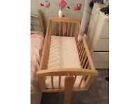 Nearly new baby swing crib for sale. Collection only