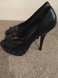 Black platform heels - redherring