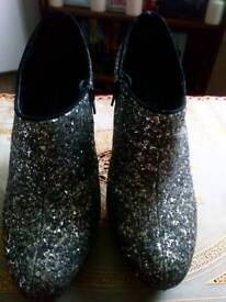 New look wide fit sparkly silver heels size 7