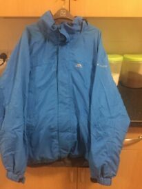 mans trespass blue zip & Velcro fasten coat size XL