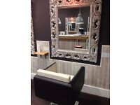 STYLIST CHAIR AND BEAUTY ROOM AVAILABLE TO RENT IN HORNSEY N8