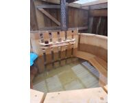 6 person Spruce Wooden Hot Tub