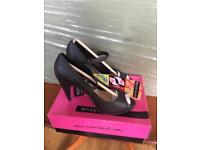 River island Juliet Raff high heel shoes in size 5 or 6