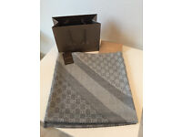 authetic Gucci scarf/shawl brand new 70%wool 30%silk