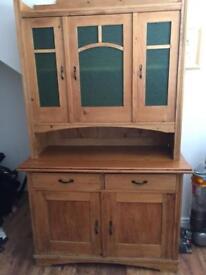 Lovely wooden oak Unit kitchen/ Room/Hall